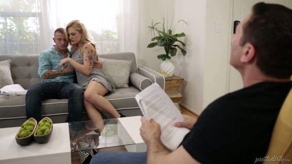 Zwei Stollen helfen blondie Dahlia Sky zu merken, das Skript in abartiger Weise - Pornofilme kostenl