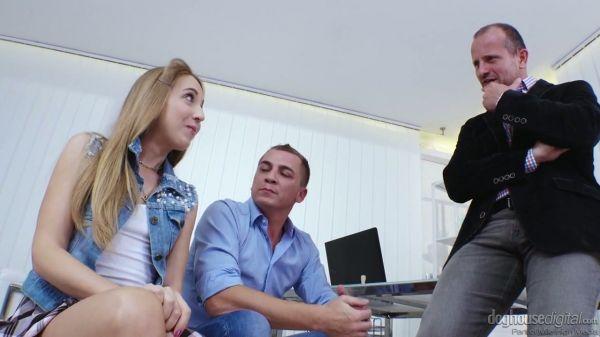 Blass und Niedlich Anya Akulova nimmt die doppelte Hahn-durchdringen von zwei Bolzen - Pornofilme ko