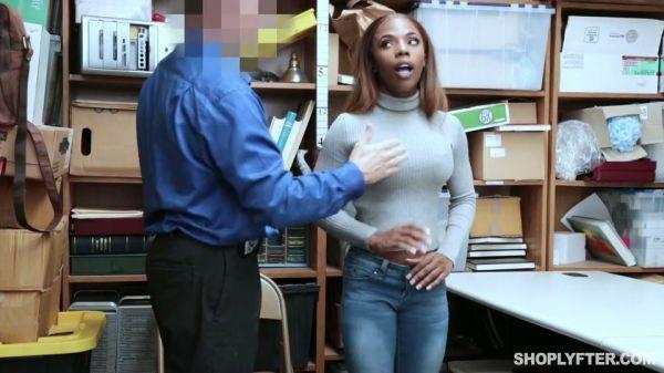Ebenholz große Hinterlaufrohre Kostenlose Mama und Sohn Porno-Videos