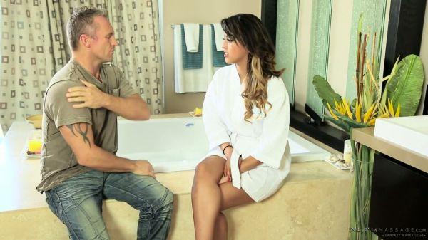 Geil masseuse mit sexy Kurven und Schambein Haar Sophia Leone reitet steifen Schwanz, - Pornofilme k