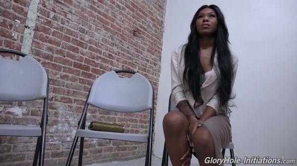 Ebenholz Schlampe Nadia Jay bekommt cream pie von der gloryhole Hahn - Pornofilme kostenlos