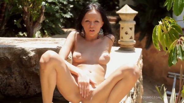 Liebenswerte und wunderschöne babe Melanie B jills im freien - Pornofilme kostenlos