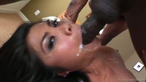Prinzessin Yahshua gibt chaotisch blasen - Pornofilme kostenlos