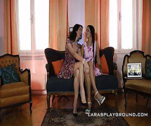 Lesbische Zwangspuschi essen Pornofotos von Mädchen Muschi